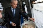Онищенко и Рогозин инспектируют поезд